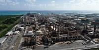 EPA orders emergency halt at troubled refinery